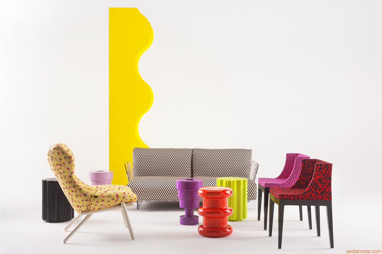 hires-colonna-taburete-de-design-con-otros-productos-de-la-coleccion-kartell-goes-sottsass